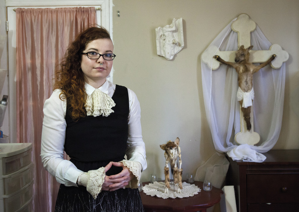 Tanis Meyer-Thorton is a taxidermist artist who addresses issues related to religion and death in her works.