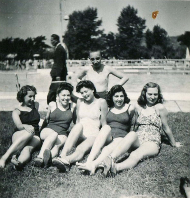 Vera Kovač (in the middle) with her friends at Margitsziget, Budapest, Hungary; Date: 1942/44. Photo Credit: Jewish Historical Museum (Portraits and memories), Belgrade, Serbia, courtesy of Vera Kovač.