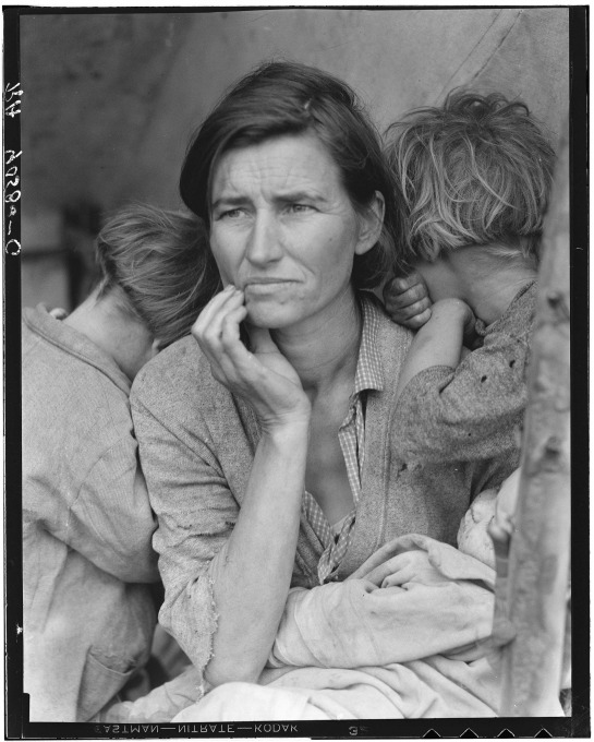 Figure 2. Dorothea Lange, Migrant mother, 1936. A reproduction of the original negative. American Library of Congress.