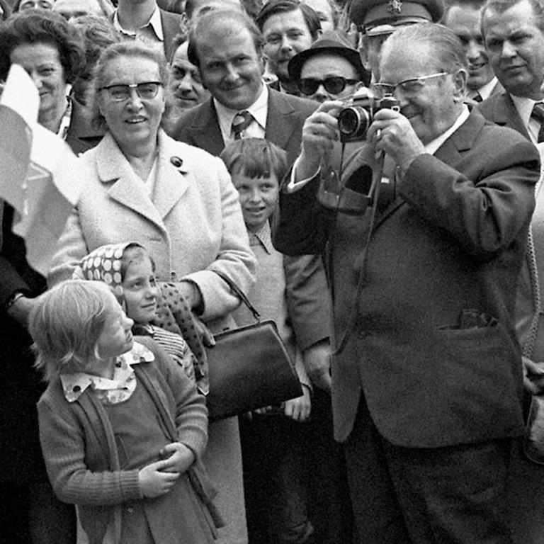 Joco Žnidaršič, Tito in Lisca, 1974. Courtesy of Galerija Fotografija. © Joco Žnidaršič