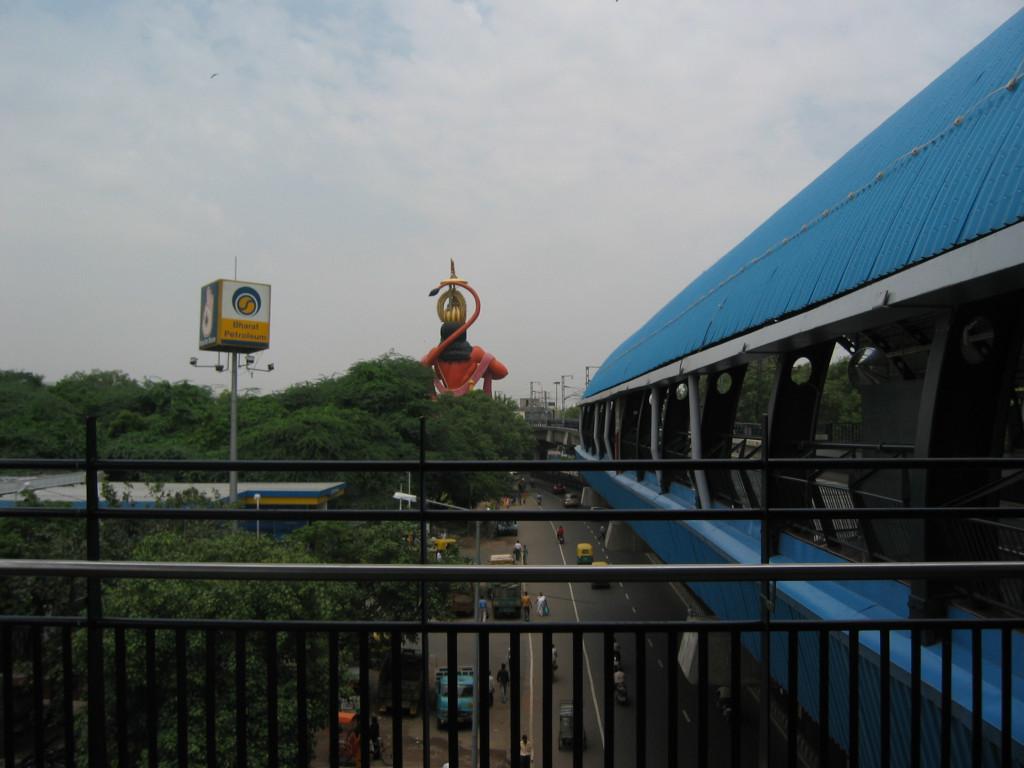 Fig. 4. Mega-statues in India. Courtesy of Kajri Jain.