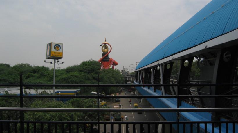 Mega-statues in India. Courtesy of Kajri Jain.